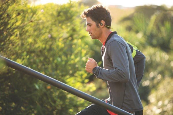 auriculares-bluetooth-running-correr-plantronics-backbeatfit